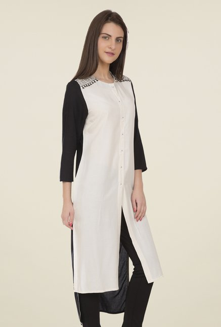 Desi Belle Off White Solid Kurti