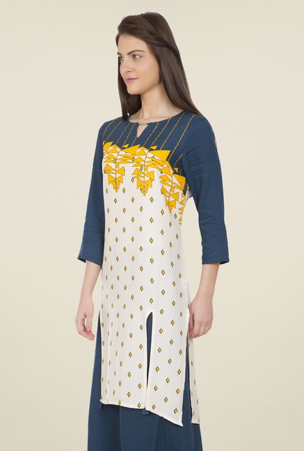 Desi Belle Off White & Blue Printed Kurti