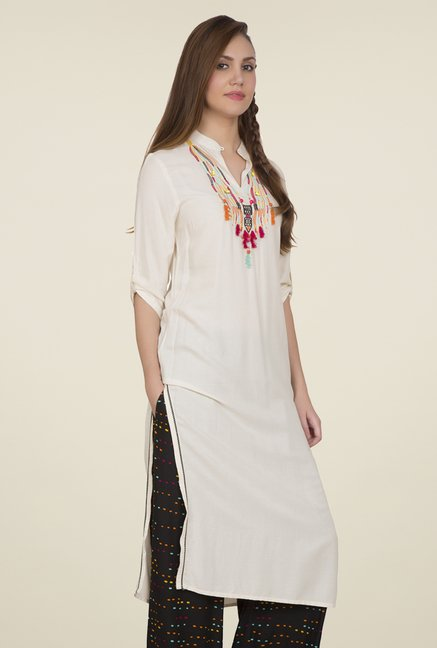 Desi Belle Off White Embroidered Kurti