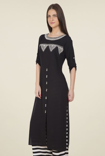 Desi Belle Black Embroidered Kurti