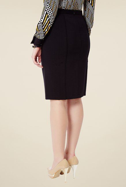 Avirate Black Solid Skirt