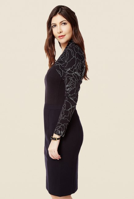 Avirate Black Printed Bolero