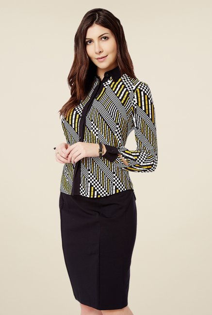 Avirate Black & Yellow Printed Top