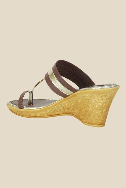 Get Glamr Lawrence Brown & Golden Toe Ring Wedges