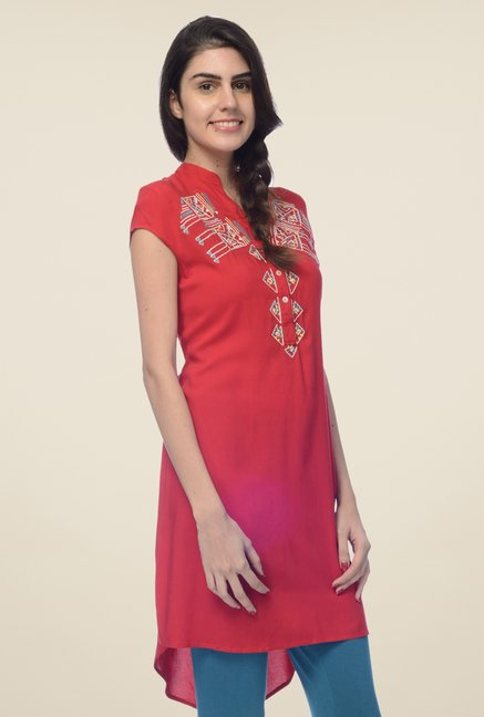 Desi Belle Red Embroidered Kurta