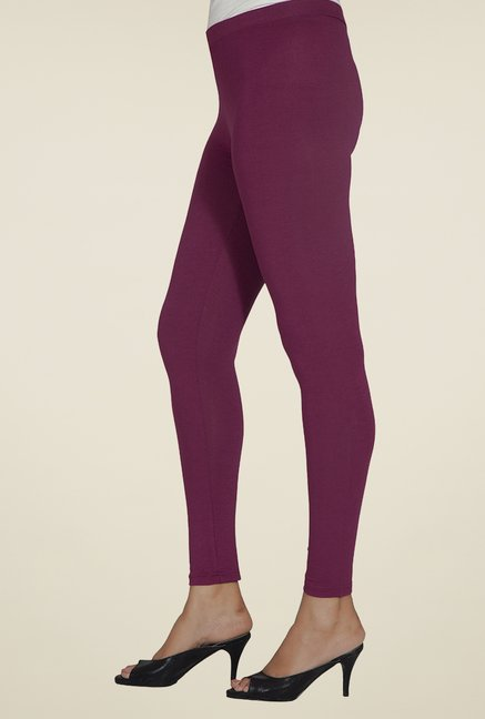 Desi Belle Maroon Solid Leggings