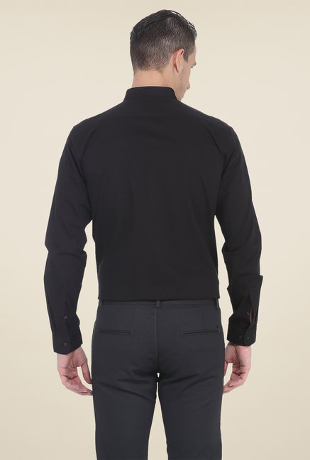 Basics Black Solid Slim Fit Shirt