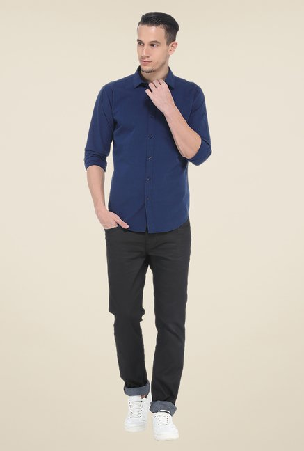 Basics Blue Solid Slim Fit Shirt