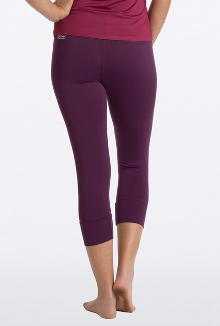 PrettySecrets Purple Solid Capri Leggings