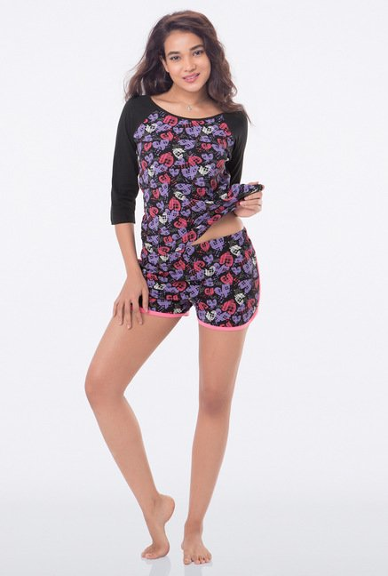 PrettySecrets Black Heart Print Shorts
