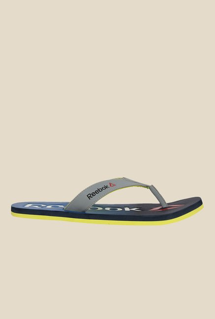 b25ddda71 Buy Reebok Embossed Grey Flip Flops for Men at Best Price   Tata CLiQ