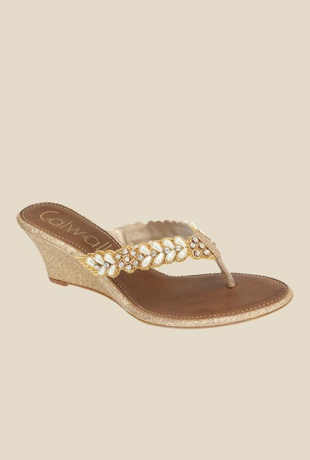 80e5c004a61142 Buy Catwalk Golden Wedge Heeled Thong Sandals for Women at Best Price    Tata CLiQ