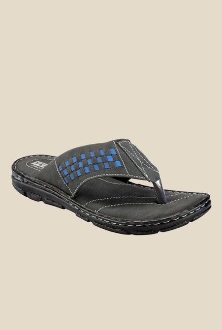 238a4bb391c855 Buy Yepme Black T-Strap Sandals for Men at Best Price @ Tata CLiQ