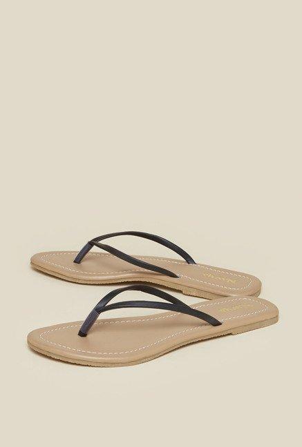 4243735a836 Buy Zudio Black & Tan Flat Sandals for Women at Best Price @ Tata ...
