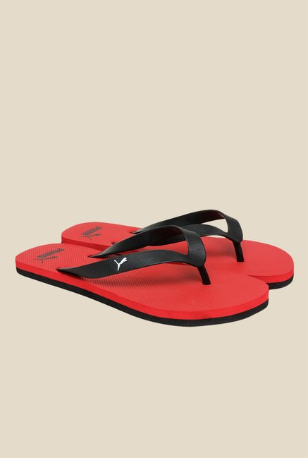 dd8aa6b11457 Buy Puma Odius IDP H2T Black   Red Flip Flops for Men at Best Price   Tata  CLiQ