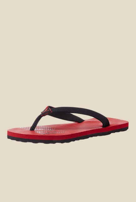 5dacae045e98 Buy Puma Miami Fashion II IDP Red   Black Flip Flops for Men at Best Price    Tata CLiQ