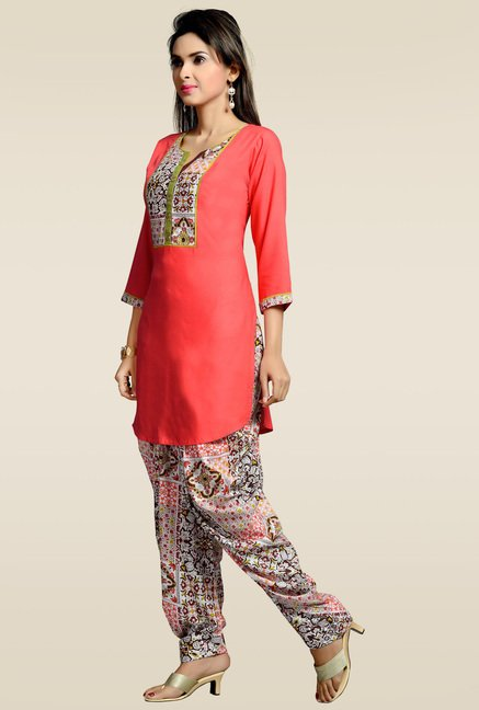 Zola 3/4th Sleeves Red Kurta with Patiyala