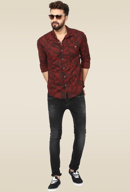 70d3c91a3c9 Buy Mufti Maroon Cotton Slim Fit Shirt for Men Online   Tata CLiQ