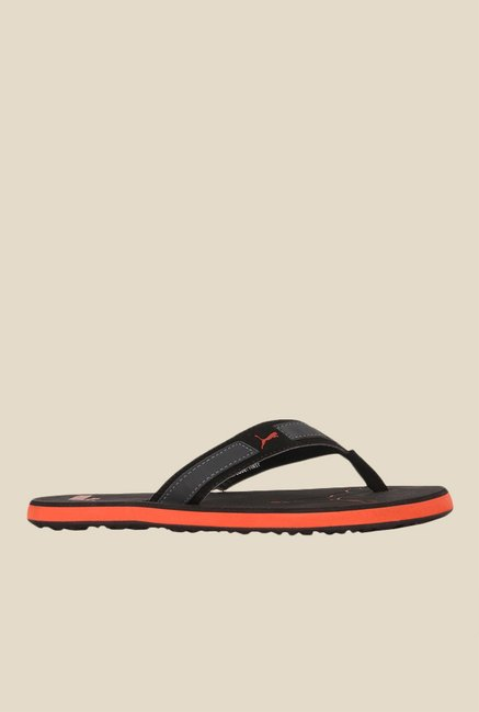ad044ed0640 Buy Puma Breeze NG DP Black   Orange Flip Flops for Men at Best Price   Tata  CLiQ