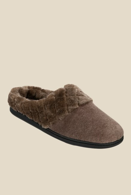 307b9f3c585a4e Buy Dearfoams Brown Mule Sandals for Women at Best Price   Tata ...