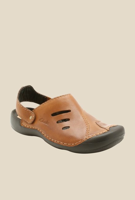f65fe2f4634 Buy Clarks Wild Vibe Tan Sling Back Sandals for Men at Best Price   Tata  CLiQ