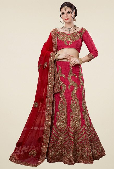 Aasvaa Red 3/4th Sleeves Semi-Stiched Suit Set