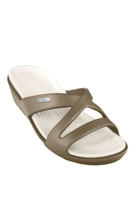 8fdacaf547eb Buy Crocs Patricia II Khaki   Oyster Casual Sandals for Women at ...
