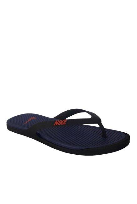ae2eb0c24 Buy Nike Matira Black   Navy Flip Flops for Men at Best Price   Tata ...