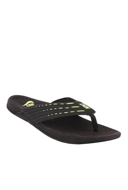 72ab230661e Buy Nike Keeso Black   Green Flip Flops for Men at Best Price   Tata CLiQ