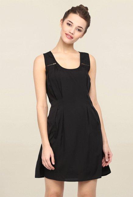 ca42655ab9 Buy Miway Black Sleeveless Dress for Women Online   Tata CLiQ