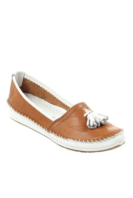 a2e182cee16 Buy Pavers England Tan   White Moccasins for Women at Best Price ...