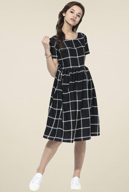 Ahalyaa Black Short Sleeves Dress