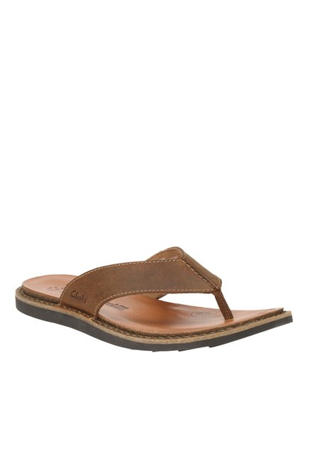 75c264bc4 Buy Clarks Lynton Post Brown Thong Sandals for Men at Best Price   Tata CLiQ