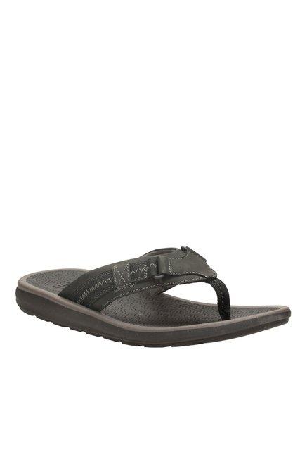 64e411ebfeef Buy Clarks Kernick Beach Black Thong Sandals for Men at Best Price   Tata  CLiQ