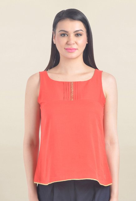 Drapes & Silhouettes Coral Solid Top