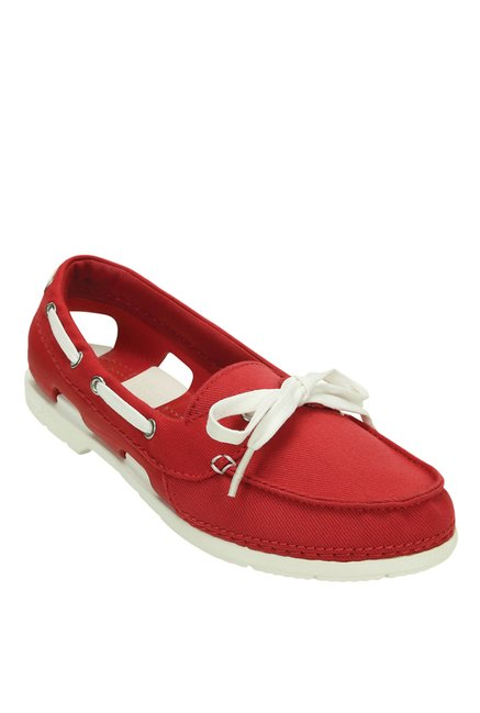 a367ba73bf2b50 Buy Crocs Beach Line Pepper Red   White Boat Shoes for Women at Best Price    Tata CLiQ