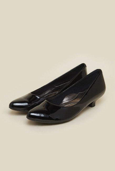 b7c614068c8 Buy Metro Black Kitten Heel Shoes for Women at Best Price   Tata CLiQ