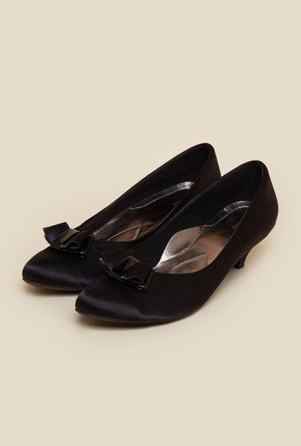 fee4c966761 Buy Metro Black Slip-On Pumps for Women at Best Price   Tata CLiQ