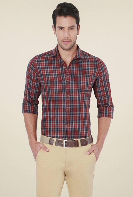 Peter England Maroon & Navy Checks Slim Fit Cotton Shirt