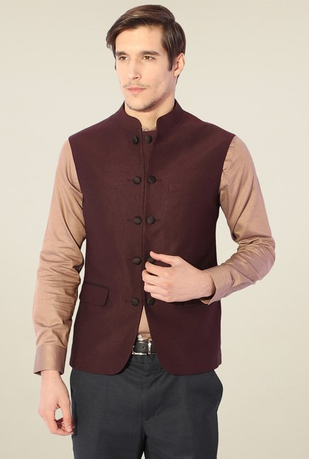 Van Heusen Maroon Sleeveless Jacket