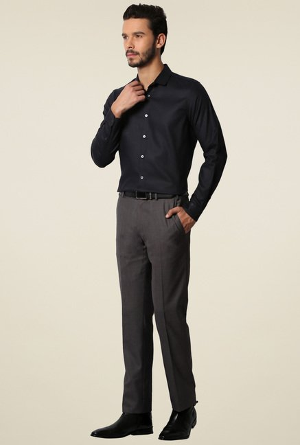 Van Heusen Black Cotton Full Sleeves Slim Fit Shirt