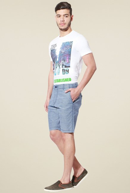 People Blue & White Printed Regular Fit Shorts