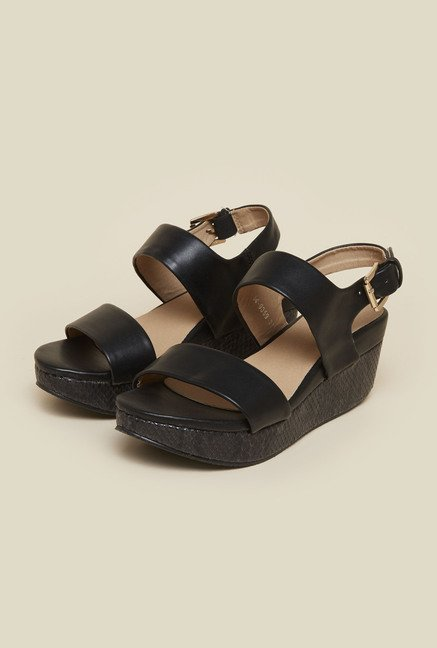 7bdfad1775e Buy Mochi Black Platform Sandals for Women at Best Price   Tata CLiQ