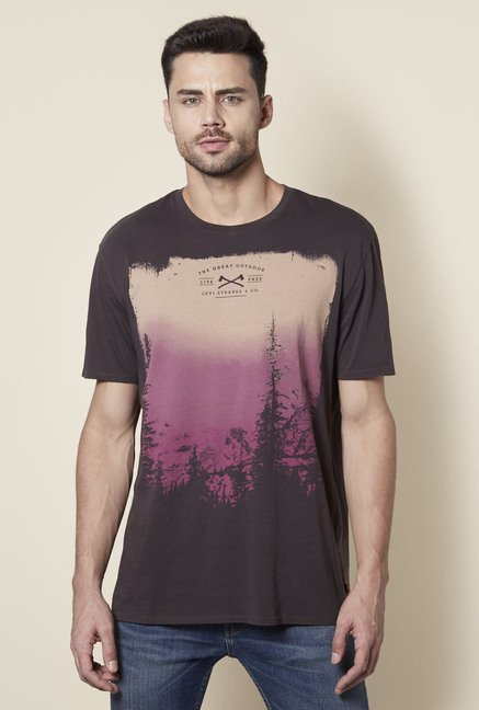 c485cfddbade Buy Levi's Dark Brown Printed Regular Fit Cotton T-Shirt for Men Online @  Tata CLiQ