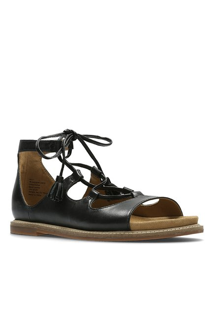 Manchuria Lobo con piel de cordero tira  Clarks Corsio Dallas Black Gladiator Sandals from Clarks at best prices on  Tata CLiQ