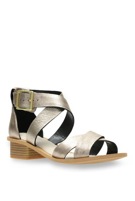 f2198fec7658 Buy Clarks Sandcastle Ray Champagne Gold Cross Strap Sandals for Women at Best  Price   Tata CLiQ