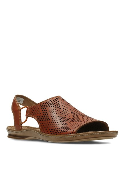 7f50152f59f4 Buy Clarks Sarla Cadence Tan Sling Back Sandals for Women at Best Price    Tata CLiQ