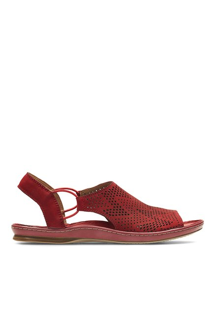 702b29040435 Buy Clarks Sarla Cadence Red Sling Back Sandals for Women at Best Price    Tata CLiQ