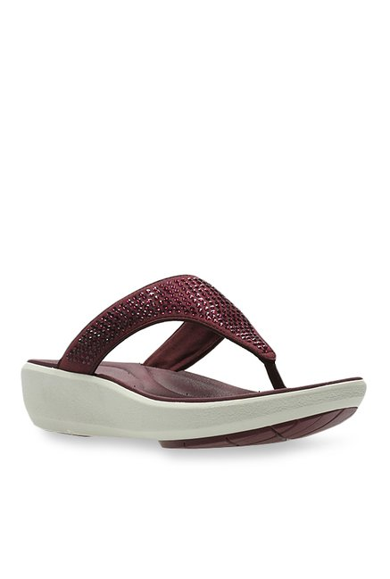 6d28f5a697c2 Buy Clarks Wave Dazzle Plum Thong Wedges for Women at Best Price   Tata CLiQ