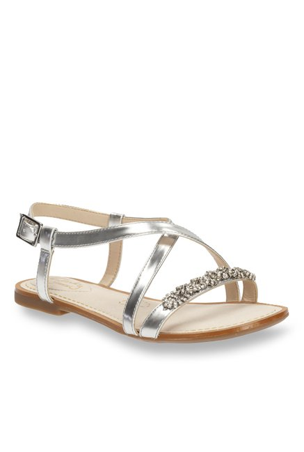86adc871bd2 Buy Clarks Sail Breeze Silver Cross Strap Sandals for Women at Best Price    Tata CLiQ